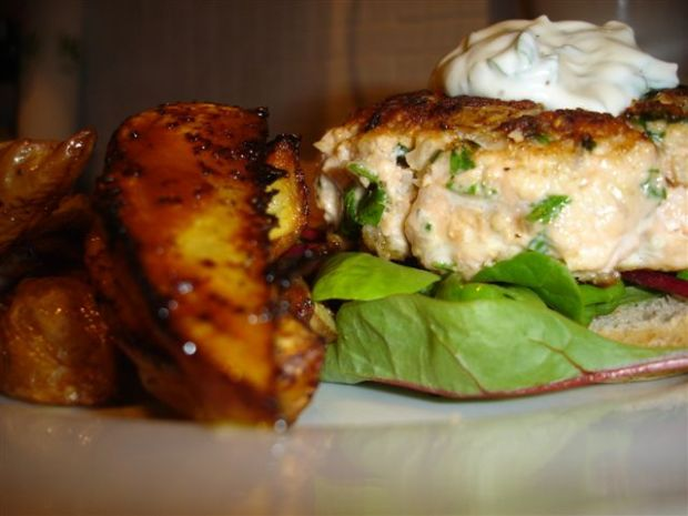Salmon Burgers & Spicy Wedges