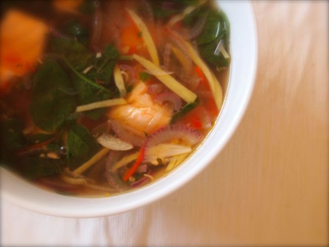 Spicy salmon broth